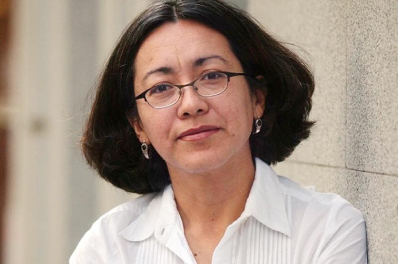 La escritora mexicana Cristina Rivera Garza recibe premio José Donoso 2021