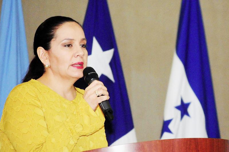 Primera dama hondureña lidera una misión  de visita por la frontera sur de México