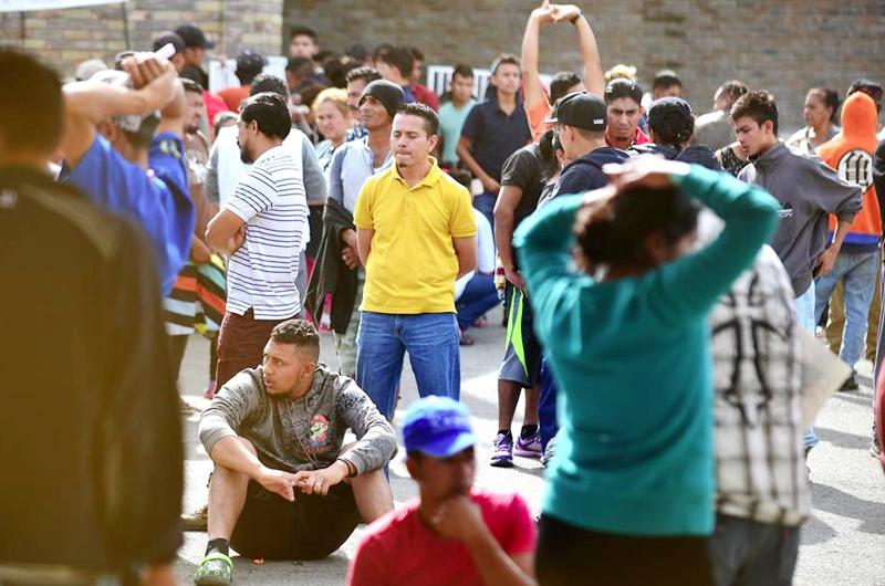Congreso evalúa proyectos migratorios mientras miles llegan a la frontera sur
