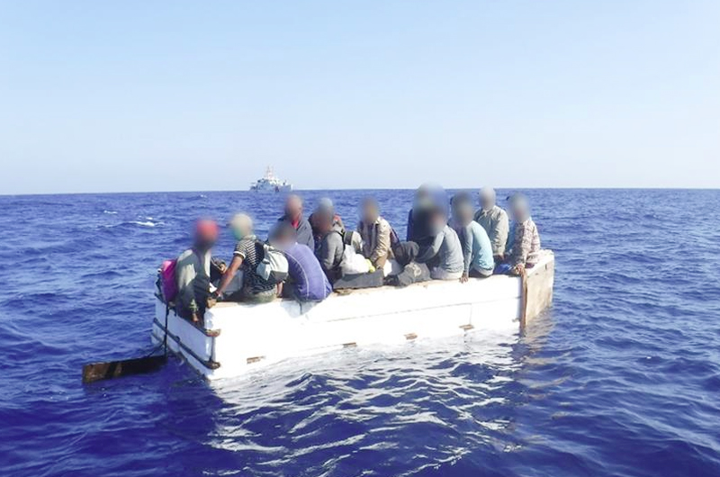 EEUU repatría a 17 cubanos que fueron  interceptados en embarcación en los Cayos