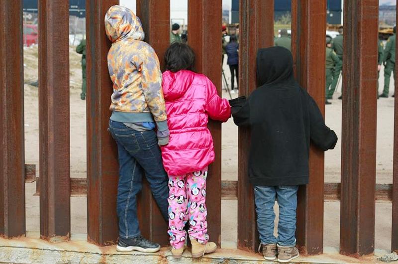 El Coliseo Freeman de Texas albergará a 2 mil 400 menores indocumentados