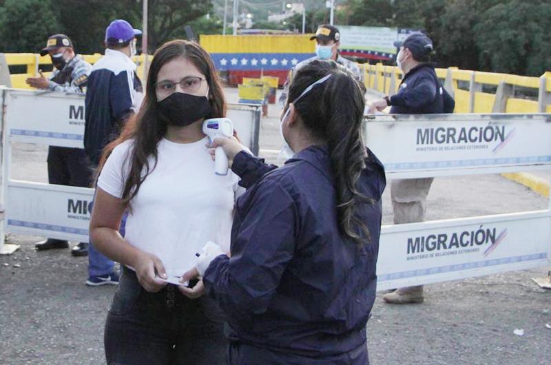 En los pasos fronterizos de Colombia el cierre se prolonga hasta junio