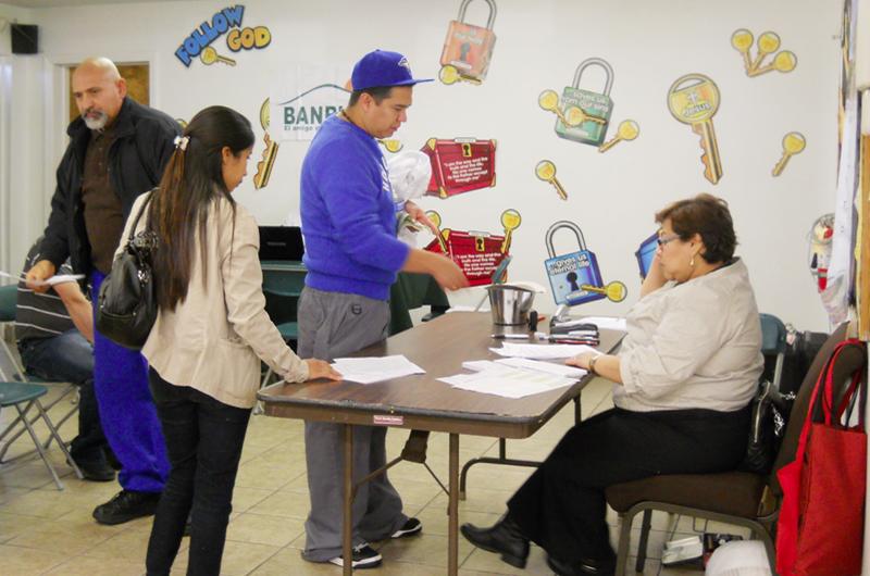 Mucho ajetreo para los guatemaltecos... Dos días de consulado móvil