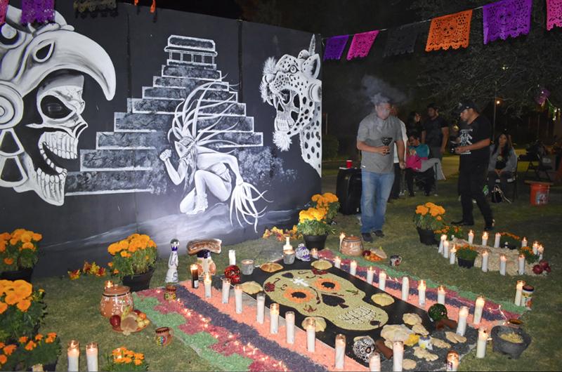 Organizan uruapenses y poblanos celebración del 'Día de Muertos'
