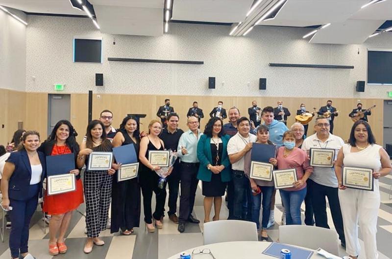 Primera Graduación de la Academia Hispana de las Comunicaciones