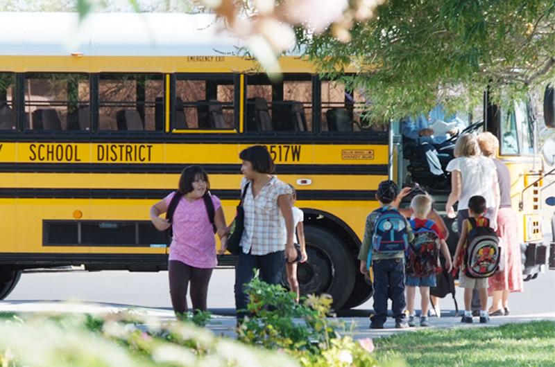 Reportan demora de autobuses escolares en el Condado de Clark
