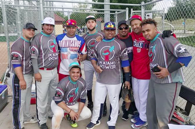 'Dominicanos de la Costa Oeste'; cuadro local por retener la corona en softbol
