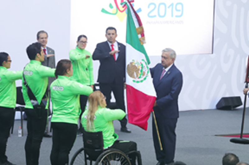 López Obrador abandera delegación a Parapanamericanos de Lima