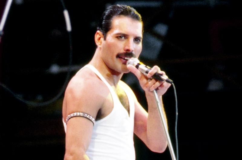 Recuerdan compañeros de Queen al cantante Freddie Mercury