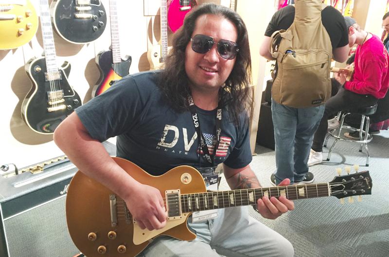 El guitarrista Jei Pir inmerso en la grabación de su disco más reciente