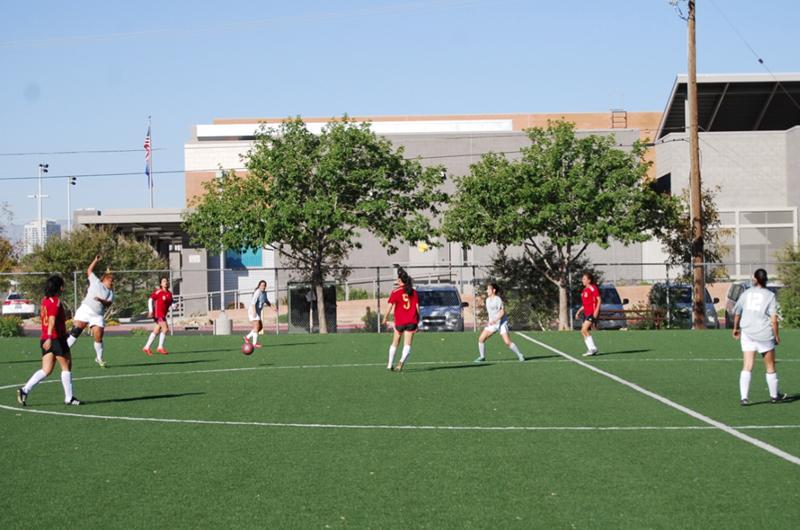 Escuela Latinoamericana de Futbol... Regresan las chicas a la cancha