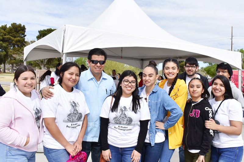 Unión de Estudiantes Hispanos en Rancho HS celebra 30 años de fundada
