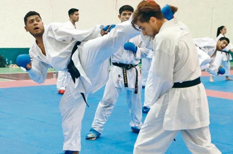 Cerró México con oro y plata en Panamericano de Karate