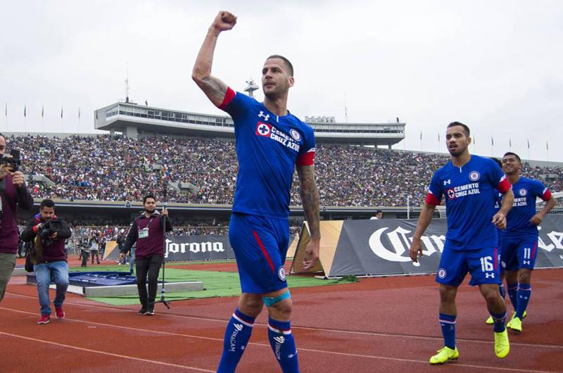 Cruz Azul es nuevo líder al ganar a Pumas en fecha 15 de Liga MX