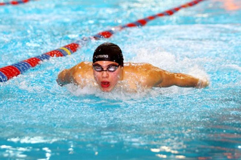 Sí se puede estar entre los grandes, afirma el nadador Daniel Ramírez