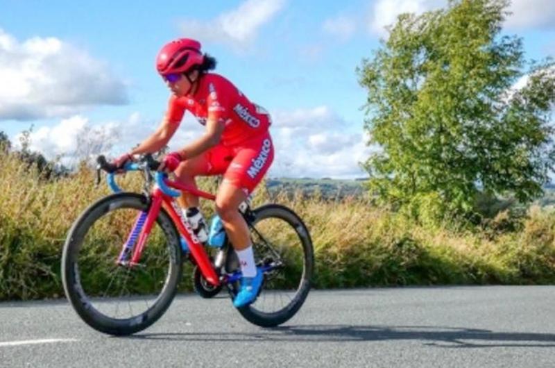 Ciclista mexicana Andrea Ramírez destaca en tour australiano