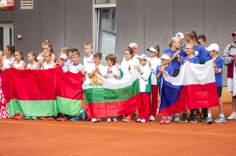 Mexicanos inician con triunfos Mundial de tenis para niños en Croacia