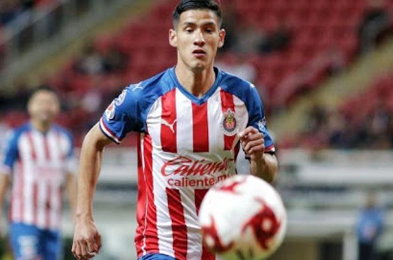 Uriel Antuna admite que la playera de Chivas pesa