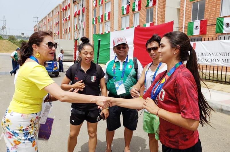 Embajadora de México visita a deportistas en Villa Centroamericana