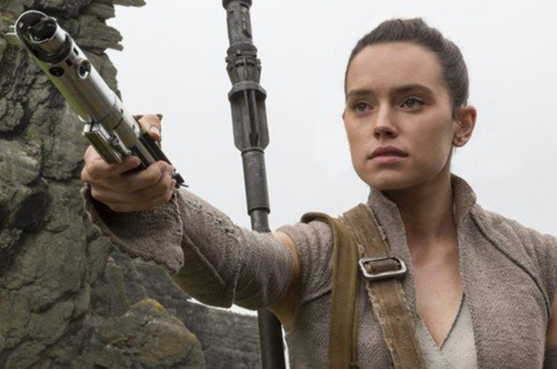 """""""Rey"""", entre la Luz y la Oscuridad en nuevo tráiler de """"Star Wars"""""""