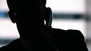 Instan a estar alerta contra llamadas y correos electrónicos falsos