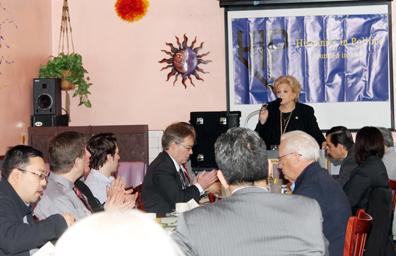 Habló Carolyn Goodman sobre la creación de una plaza hispana