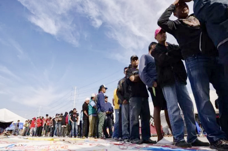 Liberó EU a más de  500 inmigrantes en área de El Paso, Texas