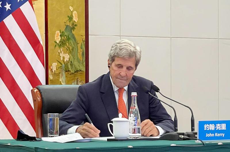 """John Kerry: """"La naturaleza nos está gritando"""""""