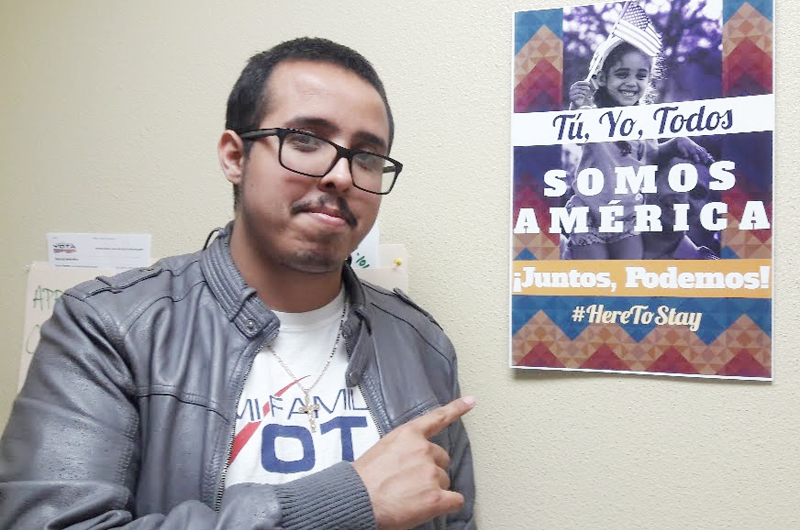 Muchos hispanos y jóvenes... La gente quiere votar: Kenneth Zamora