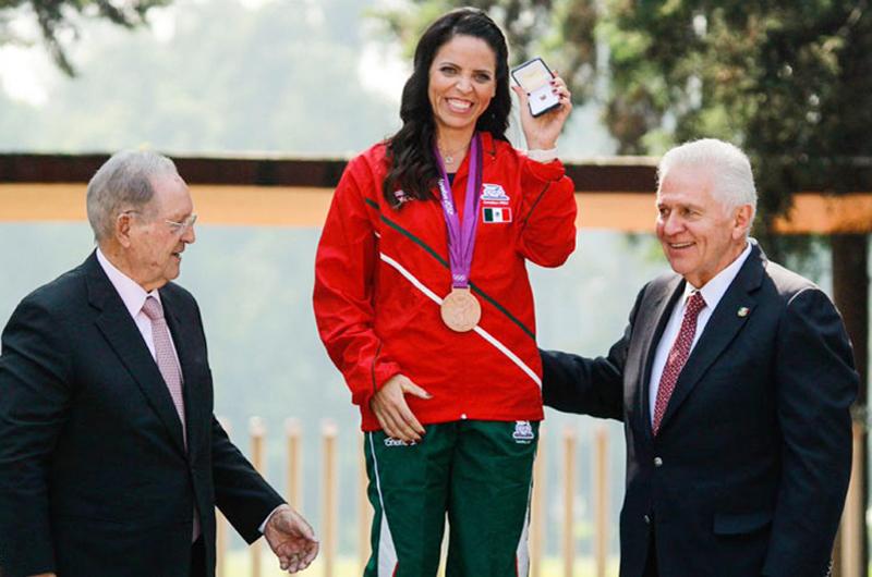 Luz Acosta ya es olímpica al recibir medalla de bronce