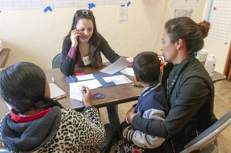 Abogados evalúan pasos tras negativa en cortes de liberar familias migrantes
