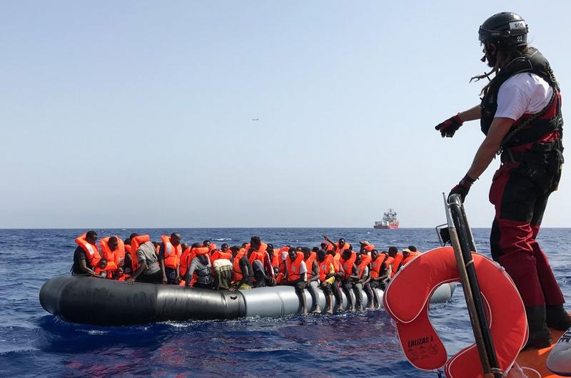 Rescata barco Ocean Viking a 94 migrantes en el Mediterráneo