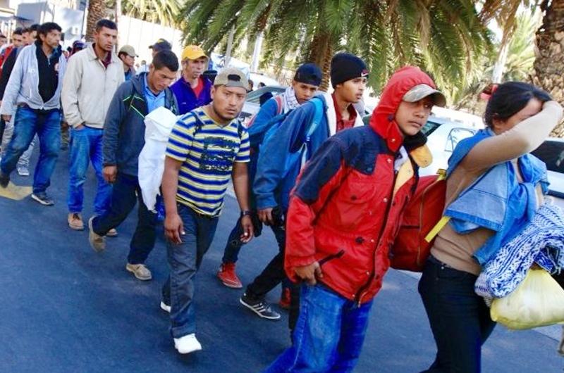 Casi un centenar de cubanos huyen de estación migratoria en Tapachula
