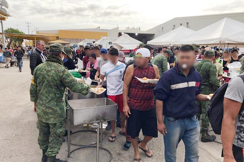Ejército mexicano mantiene su ayuda a migrantes en Coahuila