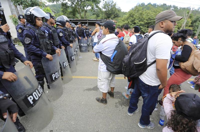 Flujo masivo de migrantes en México ha puesto a prueba al gobierno