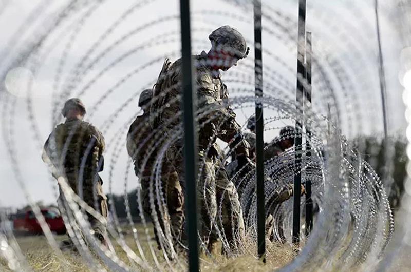 Trump envía más tropas a su frontera sur para frenar a migrantes