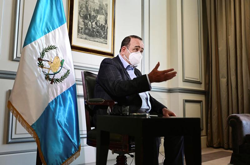 Giammattei pide a EEUU y México abrir los mercados para frenar la migración