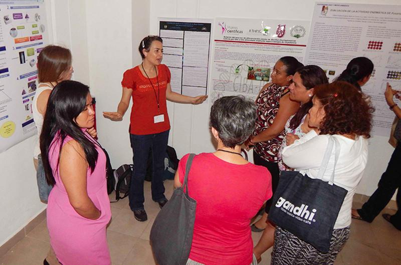 Buscan empoderar a la mujer en el uso de la tecnología en Puebla