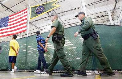 Niños migrantes ponen a prueba valores morales de EUA: NYT