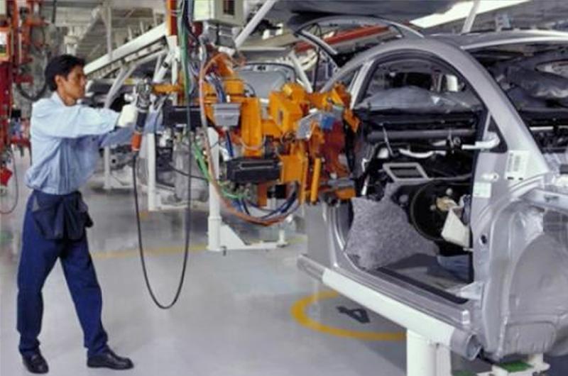 Anuncia China estímulos para su alicaída industria automotriz
