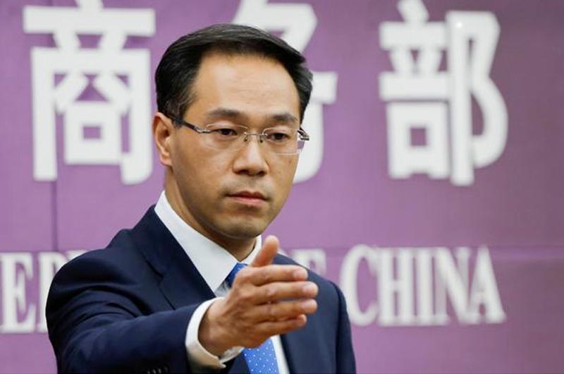 China descarta contratacar aranceles de EUA, confía en diálogo