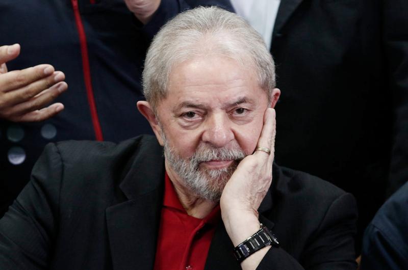 Cuba lanza campaña para liberar a Lula da Silva