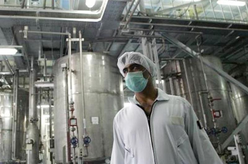 Irán suspende la venta de uranio enriquecido y agua pesada