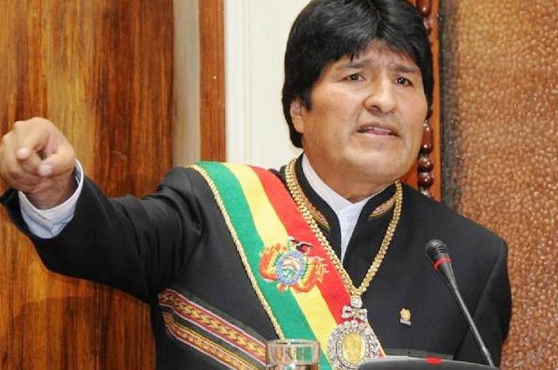 Evo Morales sigue siendo presidente, insiste su partido