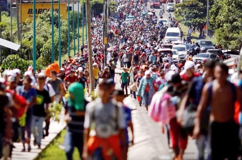 Si continúa flujo de migrantes cerraré la frontera: Trump
