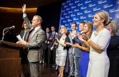 Ganan republicanos mayoría en asamblea, senado y ejecutivo
