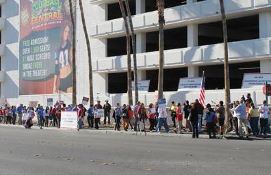 Protestaron por presencia del líder de la Cámara de Representantes