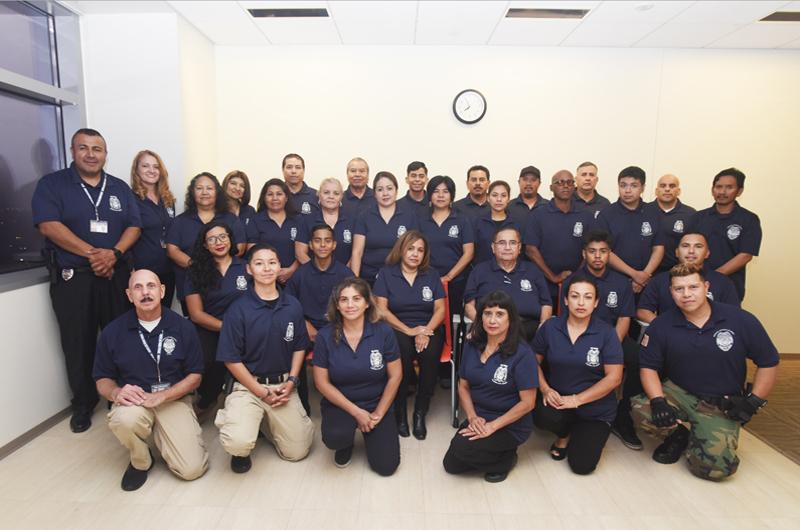 Academia Civil Hispana de NLV: Recibieron sus diplomas 26 estudiantes