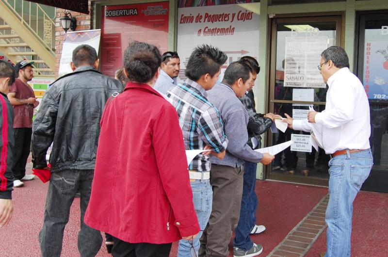 Guatemaltecos de LV requieren oficina consular y recuerdan sus raíces