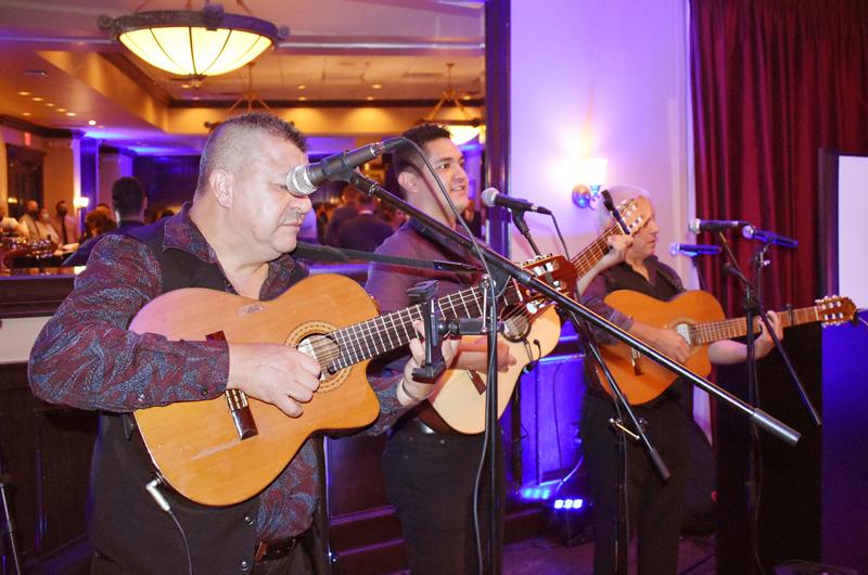 'Mariachi Internacional'... Entre cuerdas, guitarras y sentimiento